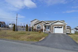 Photo 1: 5 TAILFEATHER Court in North Kentville: 404-Kings County Residential for sale (Annapolis Valley)  : MLS®# 202006413