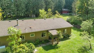 Photo 2: 8547 Lory Rd in : CV Merville Black Creek House for sale (Comox Valley)  : MLS®# 854130