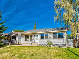 Photo 3: 6920 15 Avenue SE in Calgary: Applewood Park Detached for sale : MLS®# A1031724