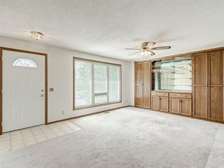 Photo 8: 6920 15 Avenue SE in Calgary: Applewood Park Detached for sale : MLS®# A1031724