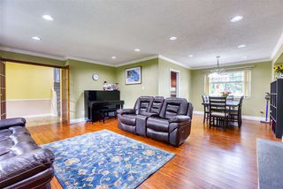 Photo 6: 8992 146A Street in Surrey: Bear Creek Green Timbers House for sale : MLS®# R2497318