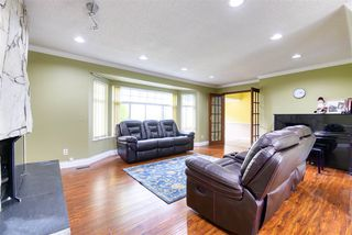 Photo 3: 8992 146A Street in Surrey: Bear Creek Green Timbers House for sale : MLS®# R2497318