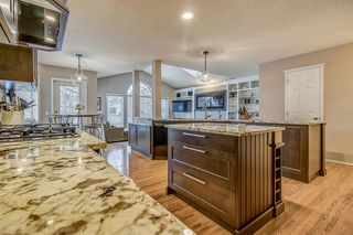 Photo 12: 398 Mountain Park Drive SE in Calgary: McKenzie Lake Detached for sale : MLS®# A1054034