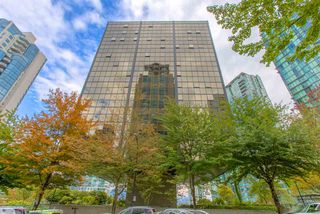 "Photo 17: 1114 1333 W GEORGIA Street in Vancouver: Coal Harbour Condo for sale in ""THE QUBE"" (Vancouver West)  : MLS®# R2527201"
