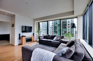 "Photo 9: 1114 1333 W GEORGIA Street in Vancouver: Coal Harbour Condo for sale in ""THE QUBE"" (Vancouver West)  : MLS®# R2527201"