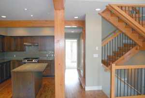 """Photo 3: 27 39760 GOVERNMENT RD: Brackendale Townhouse for sale in """"ARBOURWOODS"""" (Squamish)  : MLS®# V577536"""