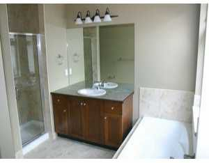 """Photo 8: 27 39760 GOVERNMENT RD: Brackendale Townhouse for sale in """"ARBOURWOODS"""" (Squamish)  : MLS®# V577536"""
