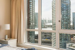 "Photo 13: 2101 63 KEEFER Place in Vancouver: Downtown VW Condo for sale in ""Europa"" (Vancouver West)  : MLS®# R2391970"