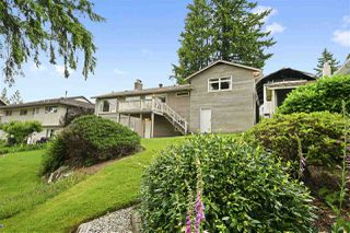 Photo 18: 970 BLUE MOUNTAIN Street in Coquitlam: Coquitlam West House for sale : MLS®# R2408466