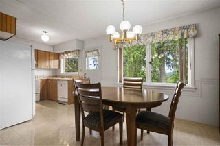 Photo 9: 970 BLUE MOUNTAIN Street in Coquitlam: Coquitlam West House for sale : MLS®# R2408466