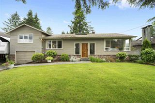 Photo 2: 970 BLUE MOUNTAIN Street in Coquitlam: Coquitlam West House for sale : MLS®# R2408466
