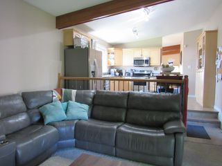 Photo 5: 35 Lorraine Crescent in St. Albert: House for rent
