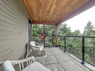 "Photo 31: 5677 SALMON Drive in Sechelt: Sechelt District House for sale in ""Downtown Sechelt"" (Sunshine Coast)  : MLS®# R2473960"