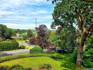 Photo 2: 1542 Oak Park Pl in Saanich: SE Cedar Hill Single Family Detached for sale (Saanich East)  : MLS®# 844259