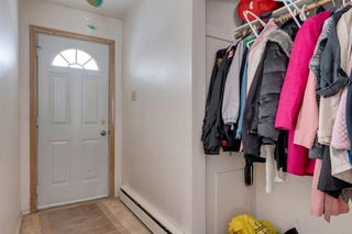 Photo 12: 33 Moncton Road NE in Calgary: Winston Heights/Mountview Detached for sale : MLS®# A1044576
