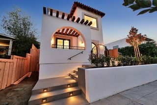Photo 3: MISSION HILLS House for sale : 5 bedrooms : 1729 W Montecito Way in San Diego