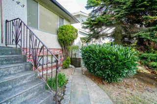 Photo 3: 2843 E 5TH Avenue in Vancouver: Renfrew VE House for sale (Vancouver East)  : MLS®# R2391370