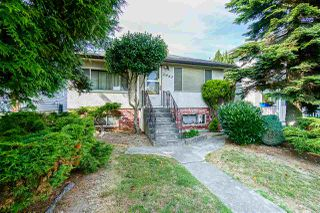 Photo 1: 2843 E 5TH Avenue in Vancouver: Renfrew VE House for sale (Vancouver East)  : MLS®# R2391370