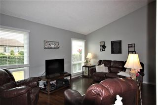 Photo 4: 75 KINISKI Crescent in Edmonton: Zone 29 House for sale : MLS®# E4167088