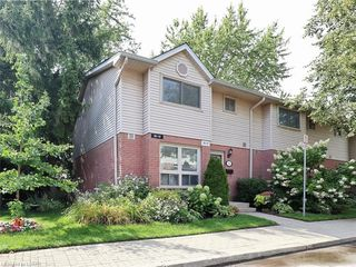 Photo 1: 10 35 WATERMAN Avenue in London: South R Residential for sale (South)  : MLS®# 220905
