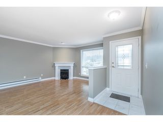 """Photo 3: 4 32640 MURRAY Avenue in Abbotsford: Central Abbotsford Townhouse for sale in """"Parkside Place"""" : MLS®# R2430513"""