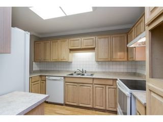 """Photo 7: 4 32640 MURRAY Avenue in Abbotsford: Central Abbotsford Townhouse for sale in """"Parkside Place"""" : MLS®# R2430513"""