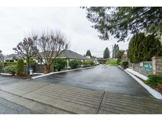 """Photo 2: 4 32640 MURRAY Avenue in Abbotsford: Central Abbotsford Townhouse for sale in """"Parkside Place"""" : MLS®# R2430513"""