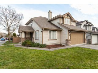 Photo 1: 20612 66A Avenue in Langley: Willoughby Heights House for sale : MLS®# R2435243