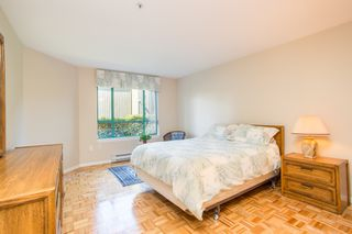 """Photo 10: 107 1569 EVERALL Street: White Rock Condo for sale in """"SEAWYND MANOR"""" (South Surrey White Rock)  : MLS®# R2448735"""