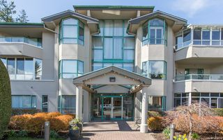 """Photo 2: 107 1569 EVERALL Street: White Rock Condo for sale in """"SEAWYND MANOR"""" (South Surrey White Rock)  : MLS®# R2448735"""