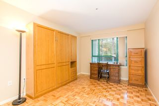 """Photo 13: 107 1569 EVERALL Street: White Rock Condo for sale in """"SEAWYND MANOR"""" (South Surrey White Rock)  : MLS®# R2448735"""