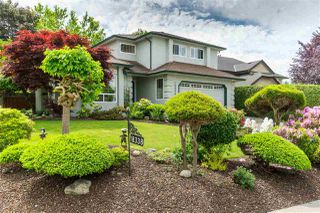 Photo 1: 18338 CLAYTONWOOD Crescent in Surrey: Cloverdale BC House for sale (Cloverdale)  : MLS®# R2460942
