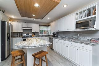 Photo 10: 18338 CLAYTONWOOD Crescent in Surrey: Cloverdale BC House for sale (Cloverdale)  : MLS®# R2460942