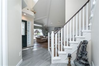 Photo 4: 18338 CLAYTONWOOD Crescent in Surrey: Cloverdale BC House for sale (Cloverdale)  : MLS®# R2460942
