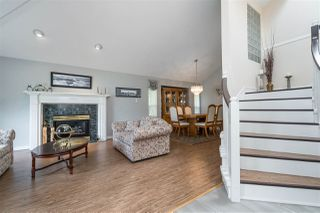 Photo 5: 18338 CLAYTONWOOD Crescent in Surrey: Cloverdale BC House for sale (Cloverdale)  : MLS®# R2460942