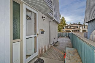 Photo 4: 2 6416 4A Street NE in Calgary: Thorncliffe Row/Townhouse for sale : MLS®# A1053166
