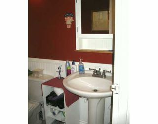 """Photo 7: 112 240 MAHON AV in North Vancouver: Lower Lonsdale Condo for sale in """"SEADALE PLACE"""" : MLS®# V606834"""