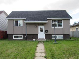Photo 1: 17052 98 Street in Edmonton: House for rent