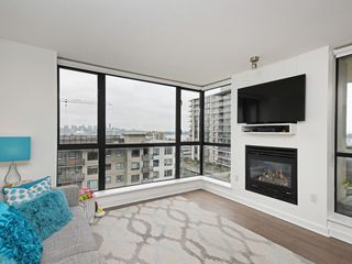 "Photo 5: 805 124 W 1ST Street in North Vancouver: Lower Lonsdale Condo for sale in ""The Q"" : MLS®# R2436276"