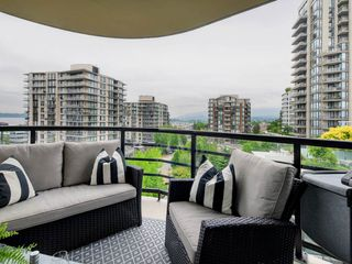 "Photo 13: 805 124 W 1ST Street in North Vancouver: Lower Lonsdale Condo for sale in ""The Q"" : MLS®# R2436276"