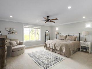 Photo 17: 5383 SPETIFORE Crescent in Delta: Tsawwassen Central House for sale (Tsawwassen)  : MLS®# R2439998