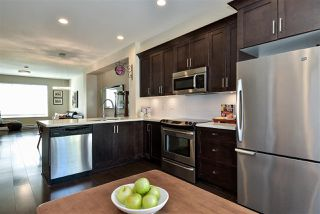 """Photo 9: 29 16228 16 Avenue in Surrey: King George Corridor Townhouse for sale in """"Pier 16"""" (South Surrey White Rock)  : MLS®# R2446444"""