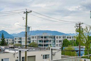 "Photo 11: 320 289 E 6TH Avenue in Vancouver: Mount Pleasant VE Condo for sale in ""SHINE"" (Vancouver East)  : MLS®# R2452303"