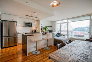 "Photo 3: 320 289 E 6TH Avenue in Vancouver: Mount Pleasant VE Condo for sale in ""SHINE"" (Vancouver East)  : MLS®# R2452303"