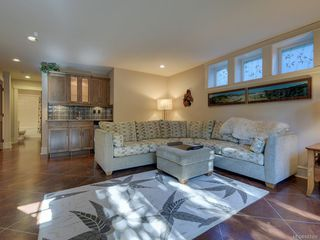 Photo 32: 2 840 Pemberton Rd in Victoria: Vi Rockland Row/Townhouse for sale : MLS®# 843389