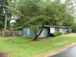 "Photo 3: 1858 CAROL Road: Lindell Beach House for sale in ""Lindel Beach"" (Cultus Lake)  : MLS®# R2483951"
