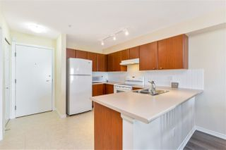"Photo 5: 307 14877 100 Avenue in Surrey: Guildford Condo for sale in ""CHATSWORTH GARDENS"" (North Surrey)  : MLS®# R2506309"