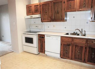 Photo 14: 155 HEARTHSTONE NW in Edmonton: Zone 14 Townhouse for sale : MLS®# E4219189