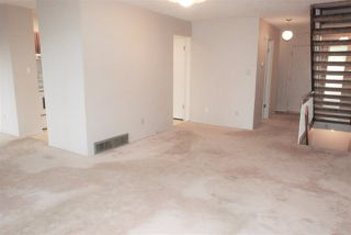 Photo 15: 155 HEARTHSTONE NW in Edmonton: Zone 14 Townhouse for sale : MLS®# E4219189