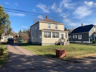 Photo 1: 15 Lorne Street in Springhill: 102S-South Of Hwy 104, Parrsboro and area Residential for sale (Northern Region)  : MLS®# 202023159